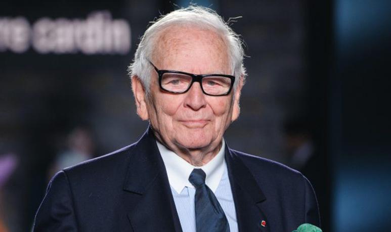 2020-30-12-pierre-cardin-couturier-décédé-98-ans-crooner-radio